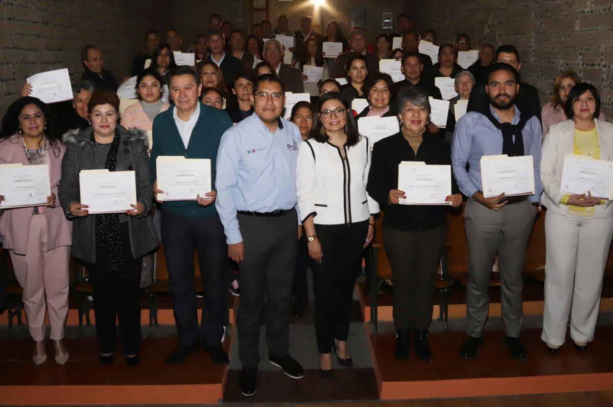 ENTREGA OFICIALÍA MAYOR CONSTANCIAS DE  CAPACITACIÓN A 93 SERVIDORES PÚBLICOS