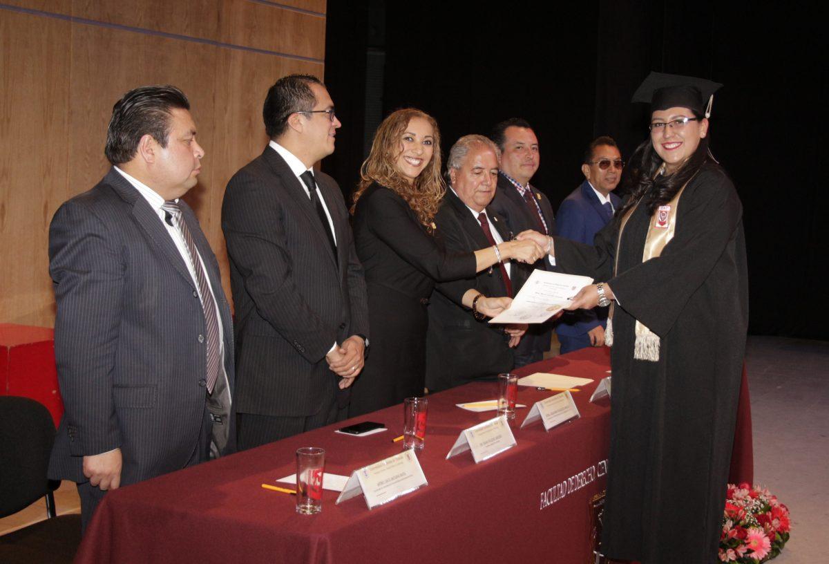 14 Efectúo ceremonia de graduación la Facultad de Ciencias Básicas, Ingeniería y Tecnología de la UATx