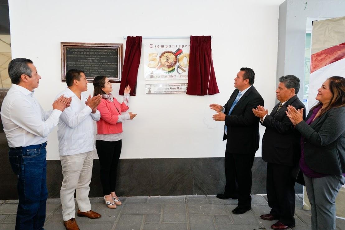 DEVELA ANABEL ALVARADO PLACA CONMEMORATIVA 500 AÑOS DEL ENCUENTRO DE DOS CULTURAS EN TZOMPANTEPEC