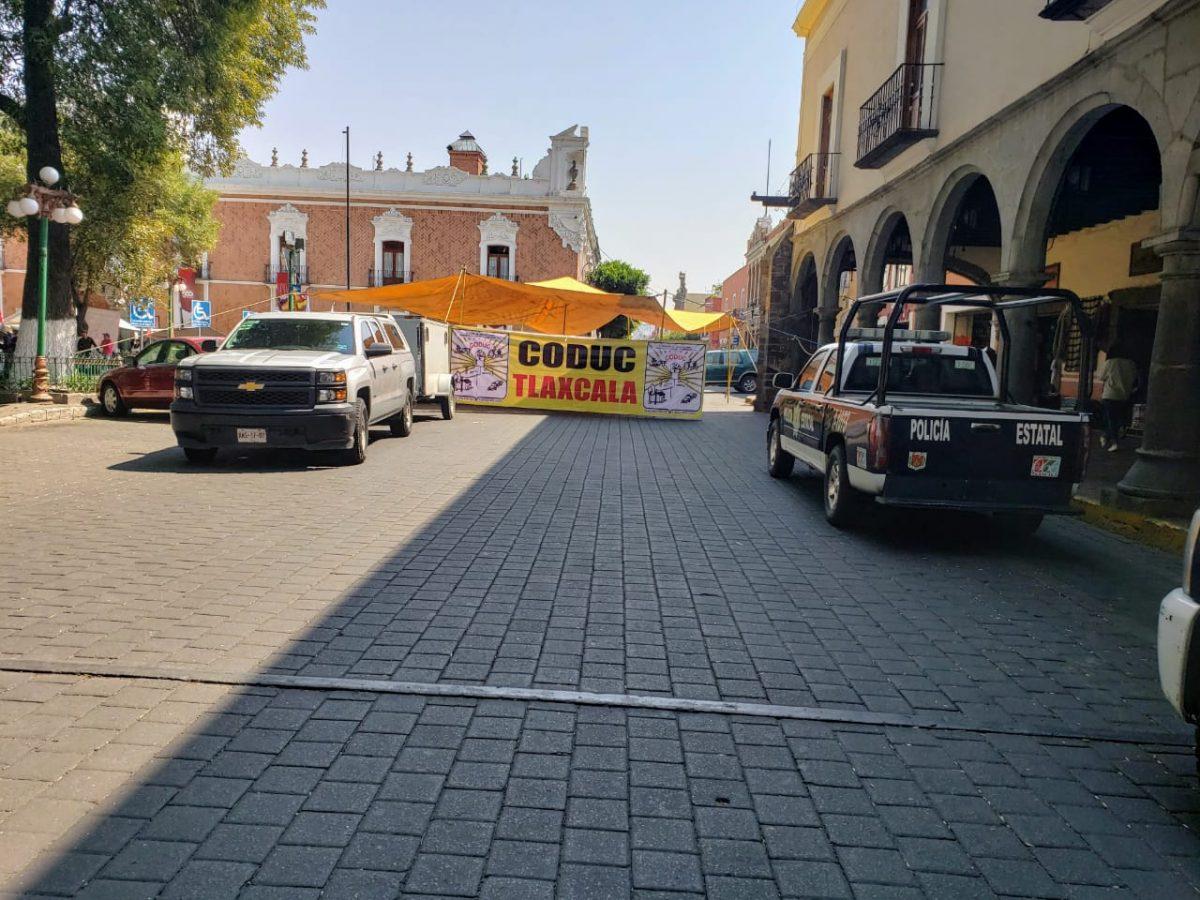 Mantienen cierre vehicular en primer cuadro de la capital por manifestación