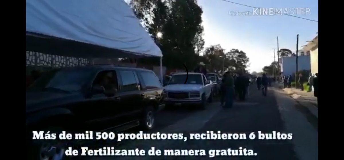 Entregan Fertilizante de manera gratuita a productores del Distrito XIV.