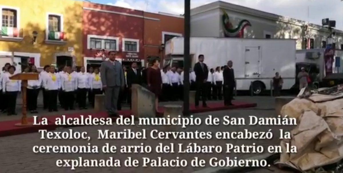 El municipio de San Damián Texoloc, realizó la tarde noche del sabado la ceremonia de arrio del Lábaro Patrio.