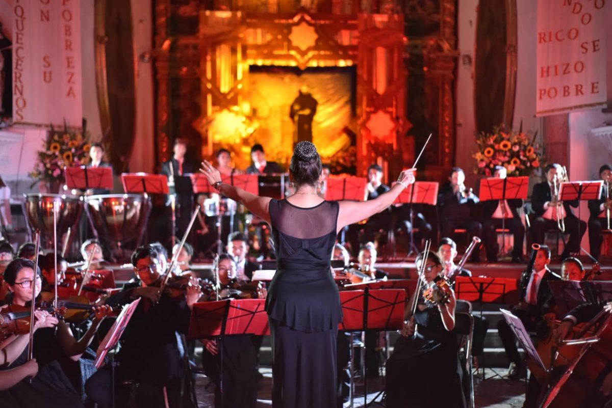 """Reúne orquesta """"Pablo Moncayo"""" a cientos de familias en San Francisco"""