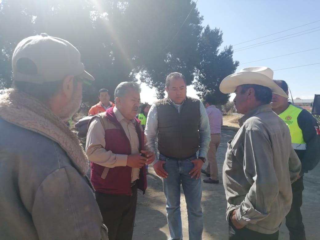 El Coordinador de PC y Alcalde de Ixtacuixtla, entregaron  Cobijas y Despensas  a gente vulnerable ante temporada invernal.