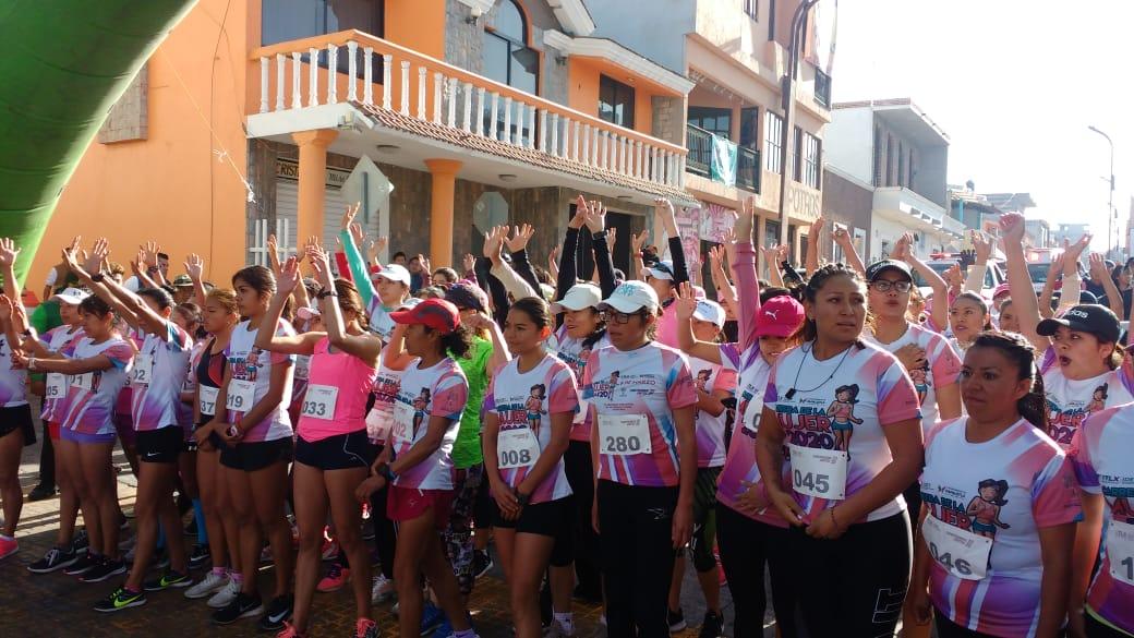 Mitzari Lozano González, gana la Carrera de la Mujer