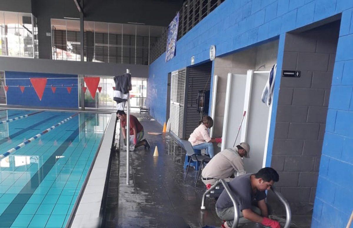 Brindan mantenimiento a Polideportivo de la capital
