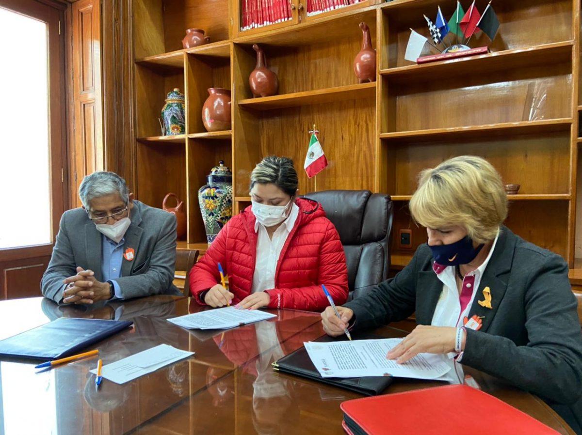 Firman convenio de colaboración Ayuntamiento de Tlaxcala y AJUPAZ
