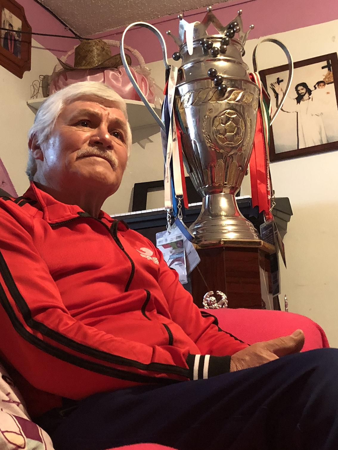 José Luis Zavala, entrenador que vive el futbol con pasión