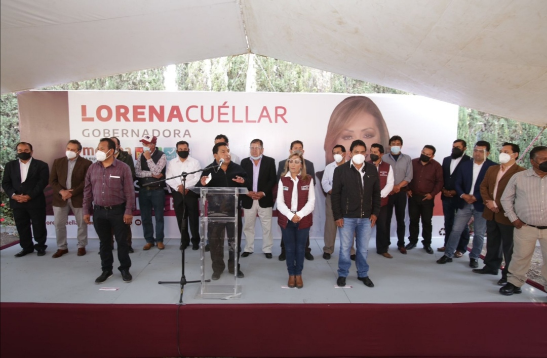 Respaldan exalcades y diputados del PRI y PRD a Lorena Cuéllar.