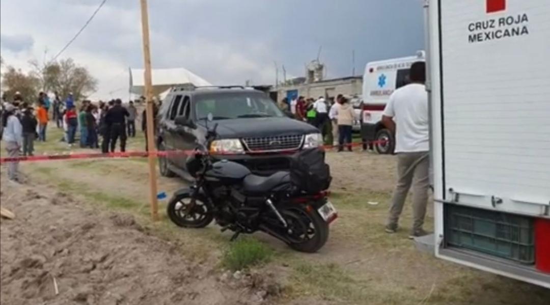 Dos personas muertas y al menos 6 lesionados fue el saldo que dejo la irresponsabilidad de un conductor en estado de ebriedad en el barrio de Monterrey en el municipio de Texoloc.