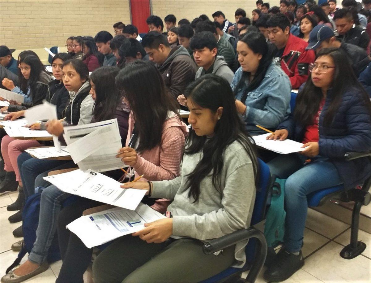 REALIZAN MÁS DE 800 ASPIRANTES EXAMEN DE INGRESO A LA UPTX