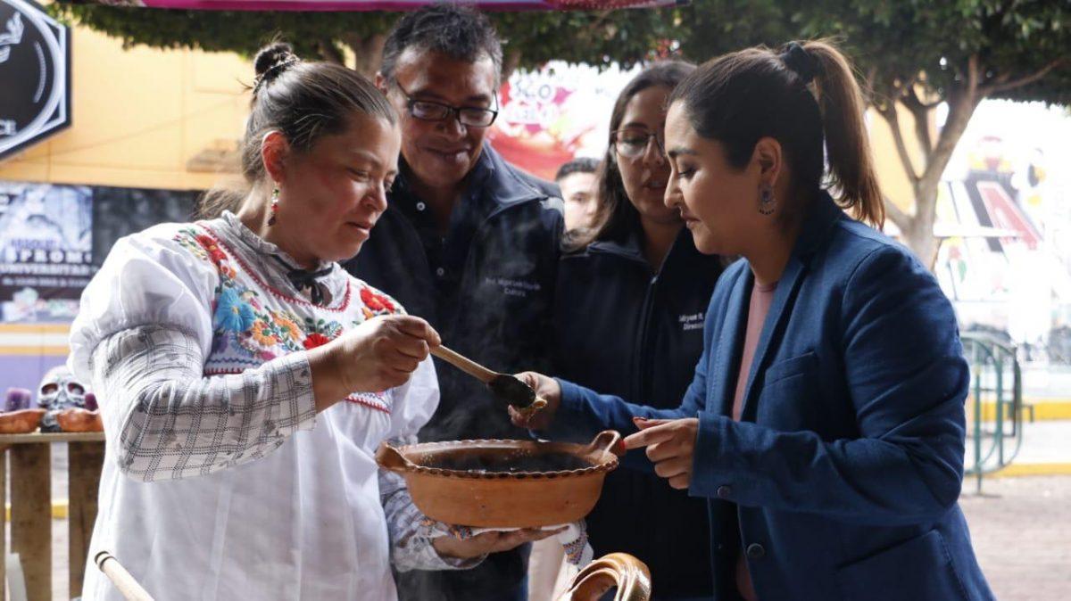 """DISFRUTAN CIENTOS DE PERSONAS DE LA MUESTRA GASTRONÓMICA DEL TRADICIONAL MOLE EN """"TLAXCALA FERIA 2019"""""""