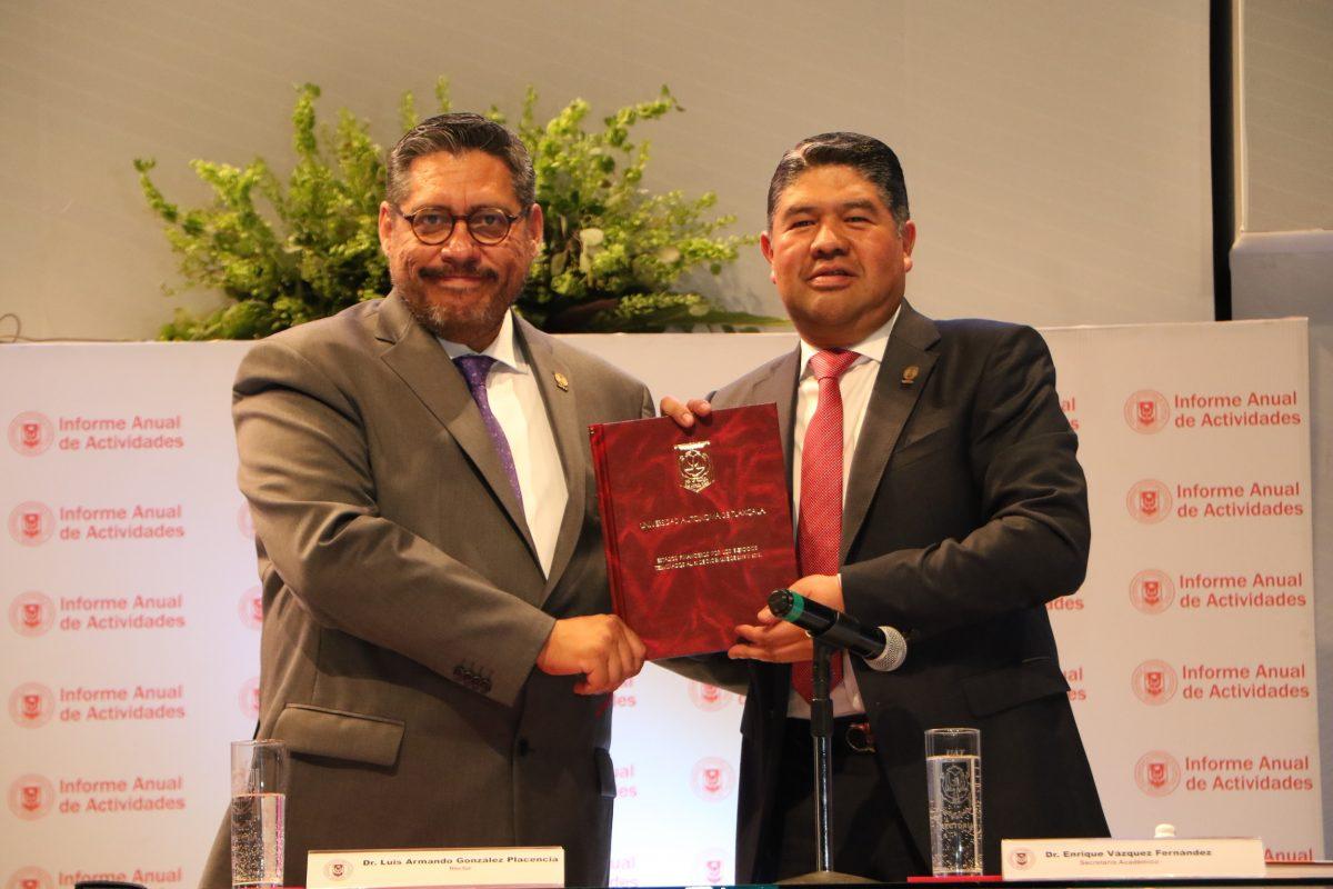 La UATx se consolida como una universidad solidaria    ·Rinde Rector su informe anual de actividades