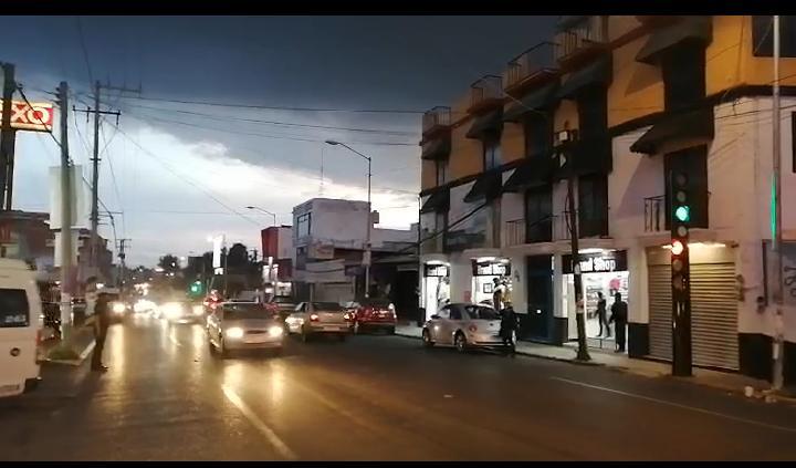 Repara Anabell Ávalos fallas en semáforos de la capital
